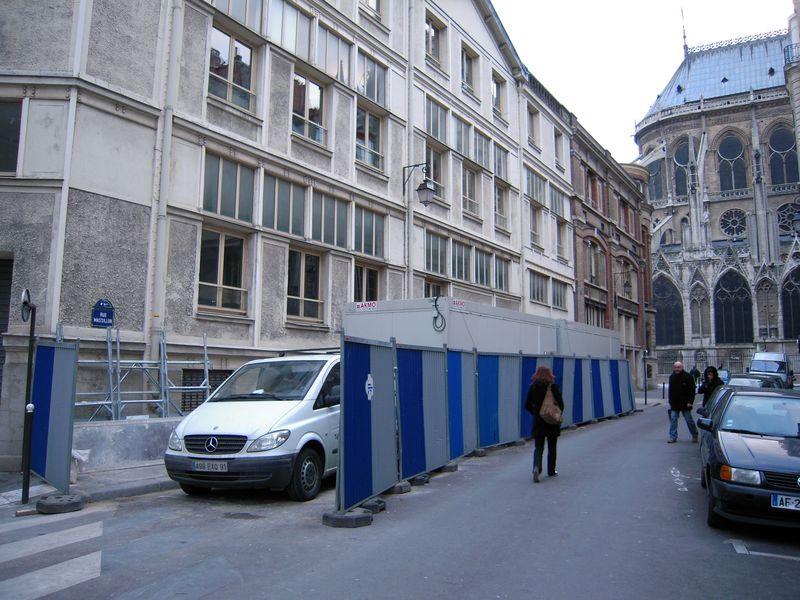 Rue Massillon avec cabanes