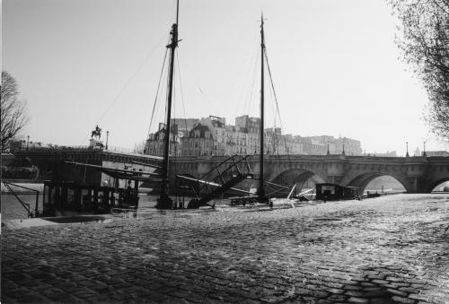 Pont Neuf vue du quai de Conti page 19 photo + texte ajouté